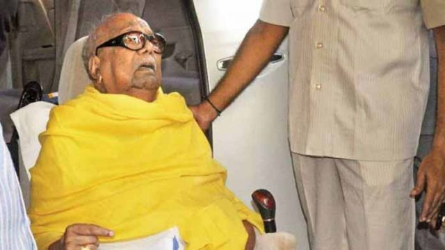 karunanidhi-at-hospital.jpg